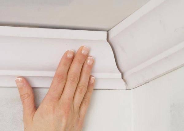 Потолочный плинтус - как клеить: пошаговая инструкция