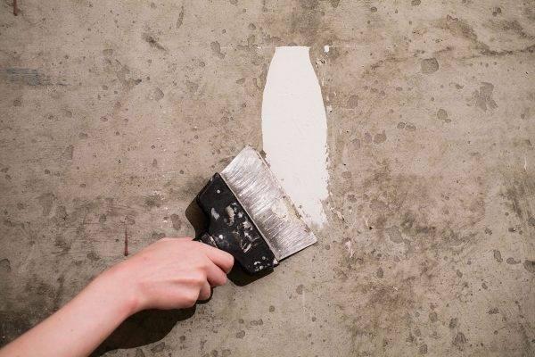 Варианты чем заделать дыру в стене от профессионалов