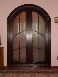 Арочные двери (47 фото): межкомнатные пластиковые конструкции дверей-арок, двустворчатые варианты для широких проемов