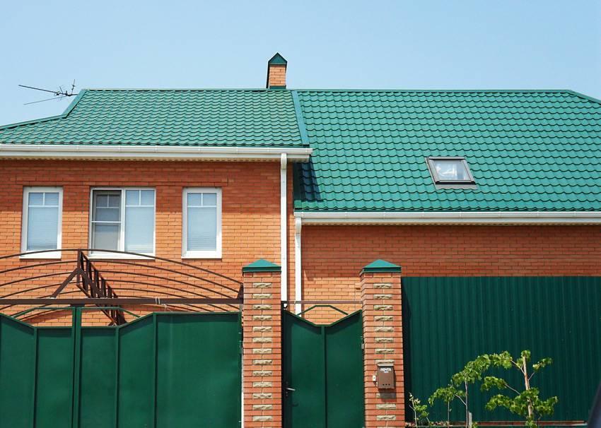 Металлочерепица для крыши: цвета, виды, фото