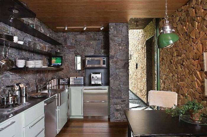 Декор стен на кухне: общие принципы декорирования, отделочные материалы и дополнительные атрибуты