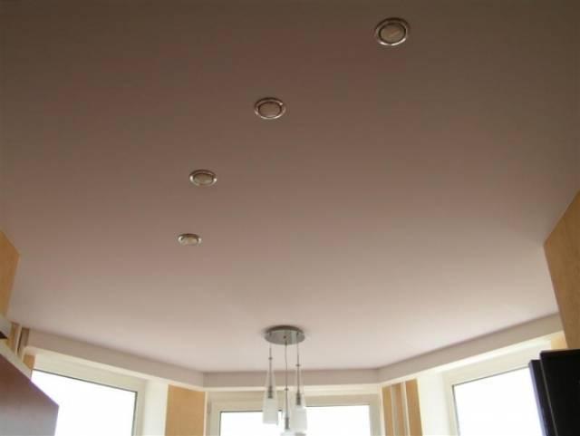 Тканевые натяжные потолки: особенности, плюсы и минусы