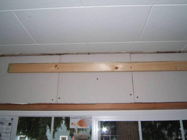 Как крепить утеплитель к потолку правильно: советы и рекомендации