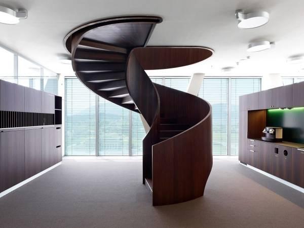 Перила для лестницы из металла: надежно, красиво, привлекательно