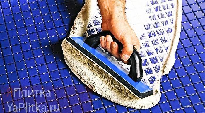 Эпоксидная затирка для плитки: плюсы и минусы, использование и отличие от цементной
