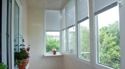 Жалюзи на пластиковые окна балкона и лоджии: выбор и установка (фото)