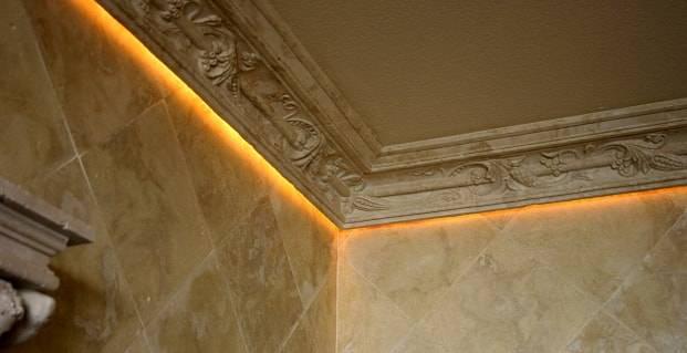 Как сделать плинтус для светодиодной ленты на потолок – варианты конструкций, правила монтажа своими руками