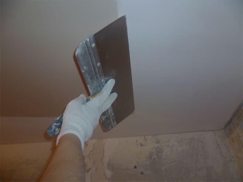 Штукатурка потолка: особенности применения современных смесей (80 фото)