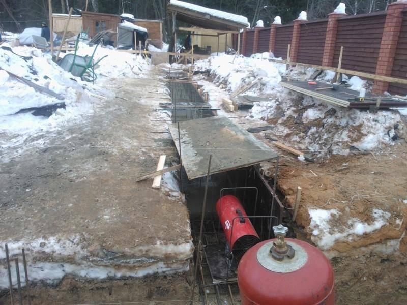 При какой температуре можно заливать бетон на улице: минусовой, минимальной, в мороз