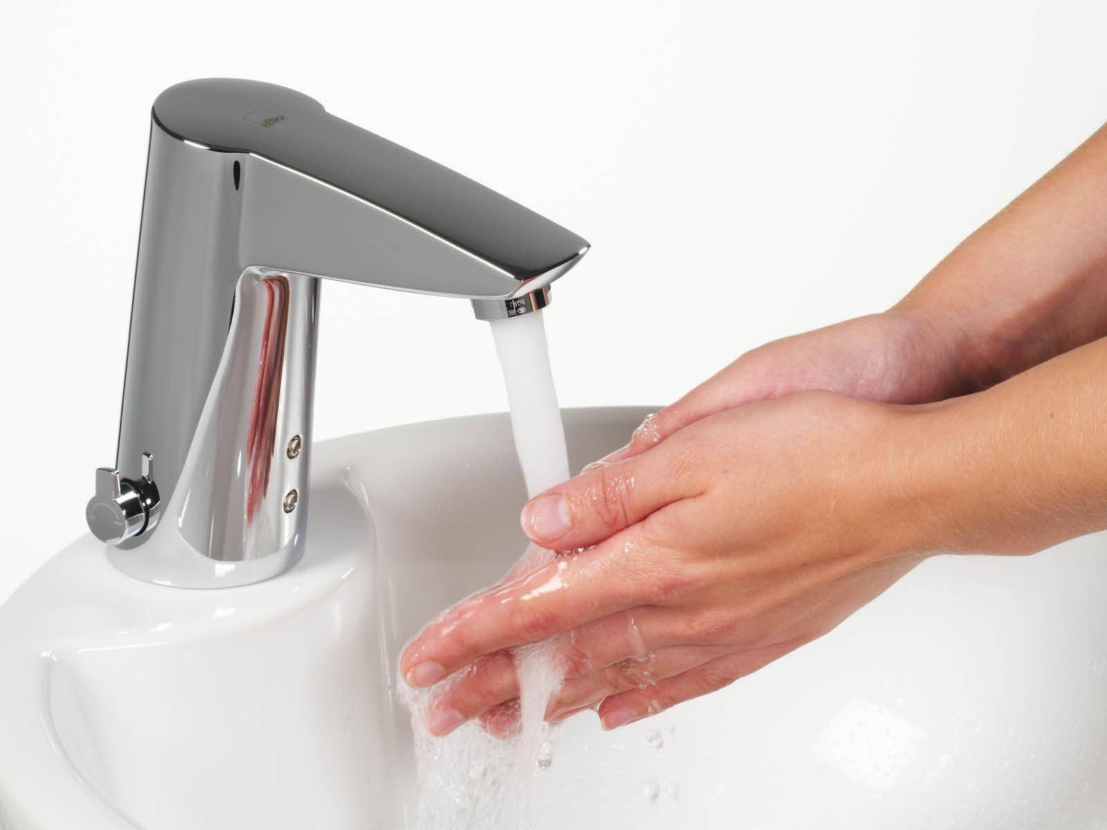 Смеситель с датчиком движения для подачи воды: инфракрасные (ик) краны для рук в раковину