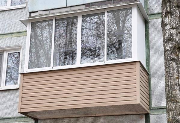Отделка балкона сайдингом своими руками: технология монтажа