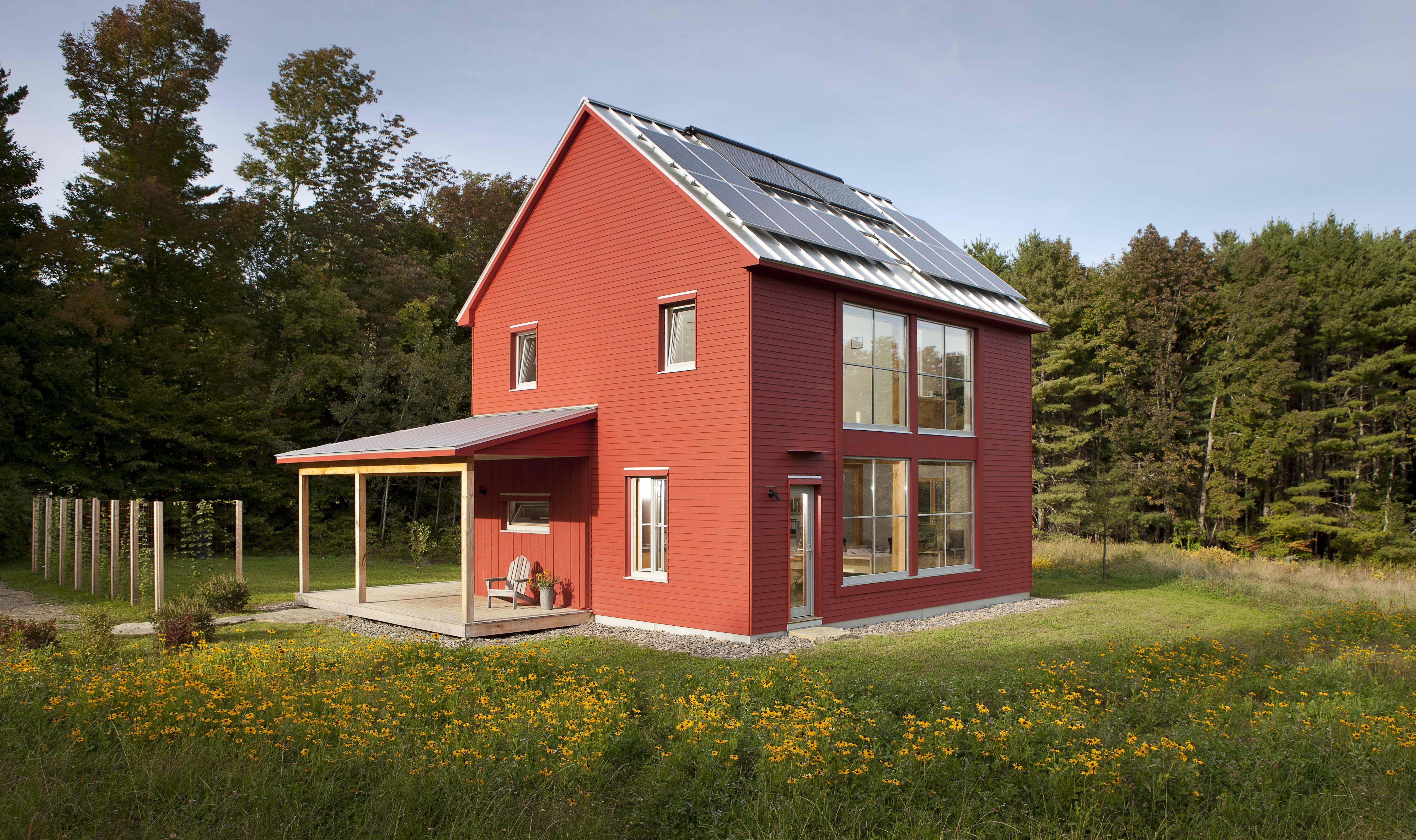 В какое время года лучше выбирать загородный дом – чем хорош каждый сезон