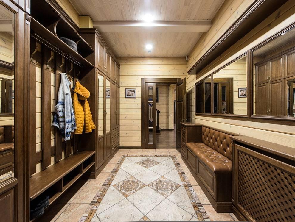 Натяжной потолок в коридоре (71 фото): дизайн потолка в узкой и длинной прихожей, варианты с точечными светильниками и двухуровневые конструкции в квартире, черные и глянцевые виды