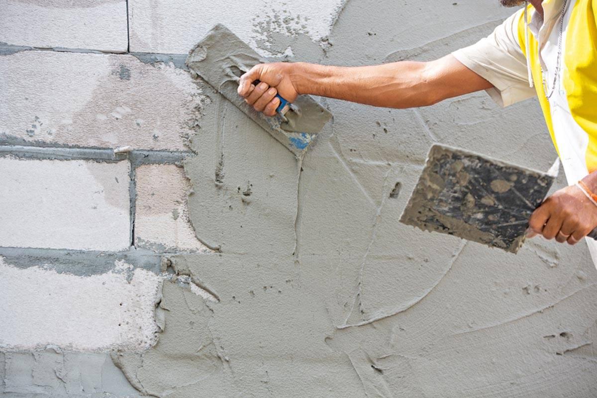 Штукатурка стен цементно-песчаным раствором: технология, правила