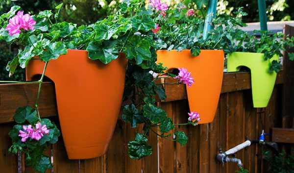 Уличные вазоны для цветов своими руками: украшаем дачу, балкон, террасу