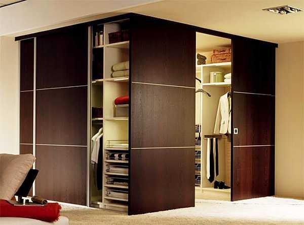 Эффективное разграничение пространства: выбор дверей-купе в гардеробную