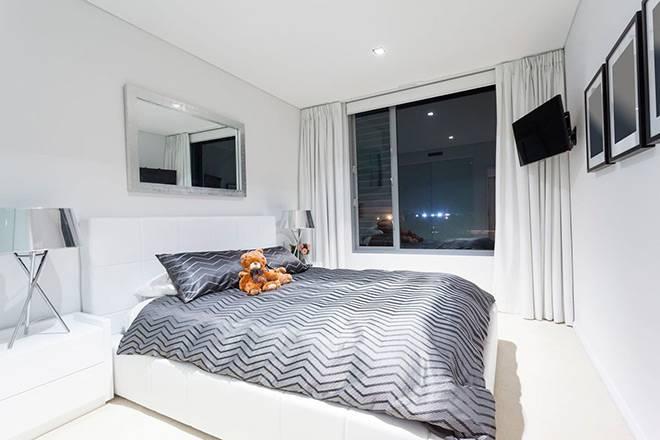 Телевизор в спальне