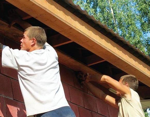 Монтаж софитов на карниз крыши: выявляем все нюансы