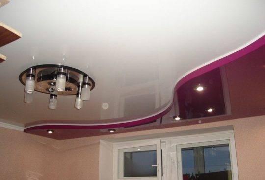 Уникальные сатиновые натяжные потолки: плюсы и минусы, фото