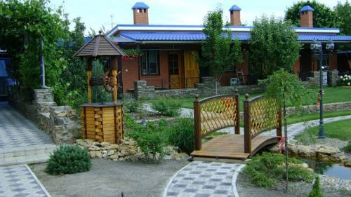 Декоративные садовые мостики для дачи своими руками – фото и инструкции