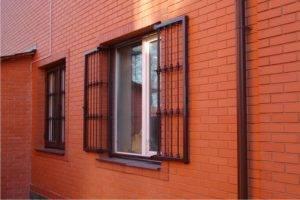 Как выбрать и установить решетку на окно своими руками?