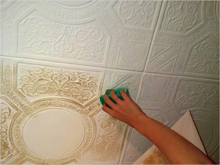 Чем покрасить плитку на потолке из пенопласта? Обзор