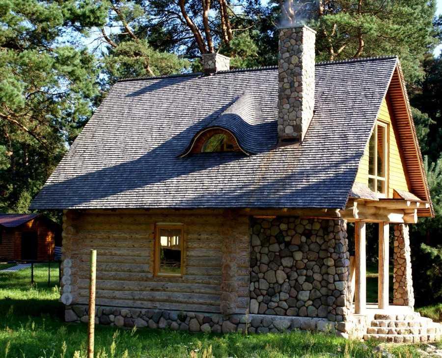 Щитовой дачный домик (45 фото): особенности садовых щитовых домов для дачи, домики эконом для участка, простой дизайн комнат