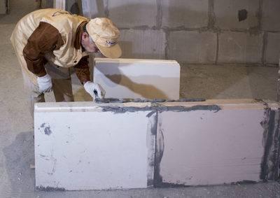 Что лучше, гипсокартон и пазогребневые плиты использовать для монтажа перегородок