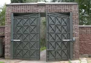 Рулонные или секционные ворота | узнай 5 отличий