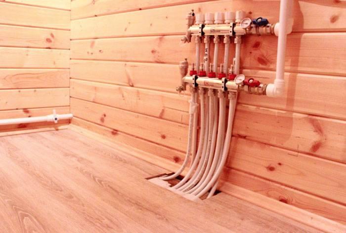 Как выровнять деревянный пол под ламинат: процесс выравнивания пола при помощи стяжки, фанеры и клиновидных лаг своими руками
