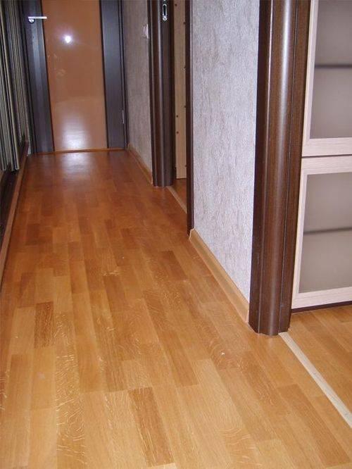 Ламинат в коридоре: особенности, виды и инструкция по укладке