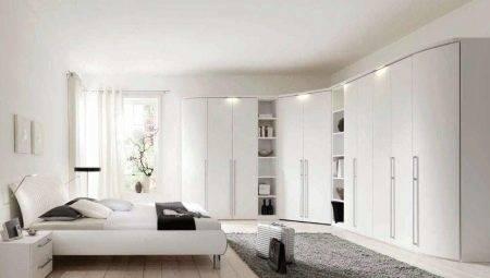 Глянцевый шкаф-купе (54 фото): белый и черный глянец с зеркалом в прихожую