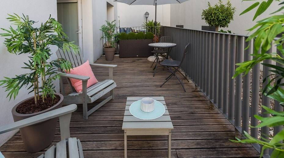 Пол на балконе: подготовка и монтаж основания под финишное покрытие