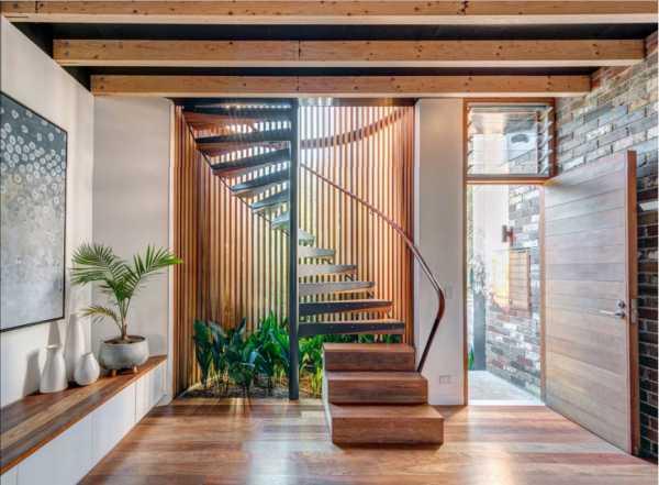 Чердачная лестница (72 фото): разновидности и размеры металлической откидной и раздвижной конструкции на чердак в частном доме