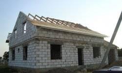 Дом из соломы: современные технологии и строительство своими руками