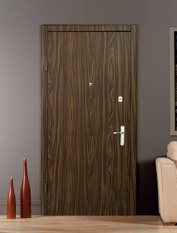 Отделка входной двери изнутри и снаружи: как облицевать металлическое полотно своими руками после установки (фото, видео)