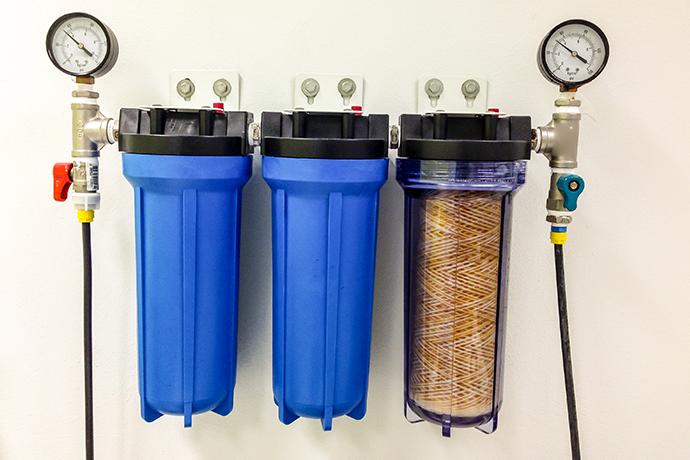 Какой фильтр для очистки воды под мойку лучше: проточные питьевые системы для квартиры и дома, виды с обратным осмосом для установки на кухне, рейтинг и отзывы