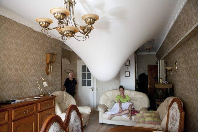 Из чего делают натяжные потолки, какой состав полотна, детальное фото и видео