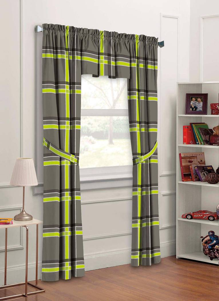 Дизайн и цвет штор для детской комнаты мальчика-подростка