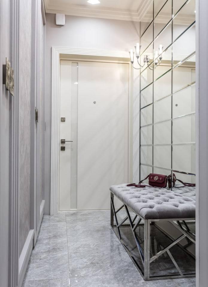 Кованые двери со стеклом: различные дизайны и узоры, а так же особенности.