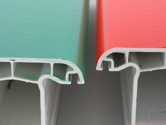 Особенности окрашивания пластиковых окон: выбор краски и инструмента