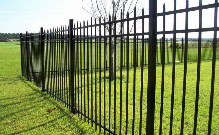 Забор на винтовых сваях: установка столбов своими руками - глубина вкручивания