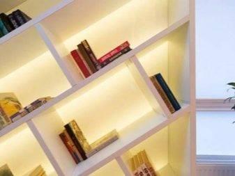 Плинтус на потолок (63 фото): как называется, полиуретановый гибкий вариант, бордюры со светодиодной лентой