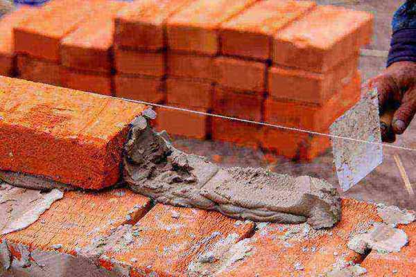Зачем нужен цоколь из кирпича на фундамент?