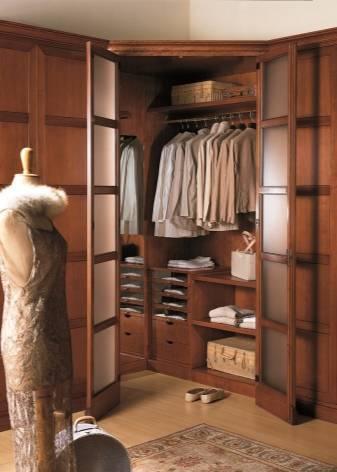 Двери в гардеробную комнату: виды, материалы, дизайн, цвет