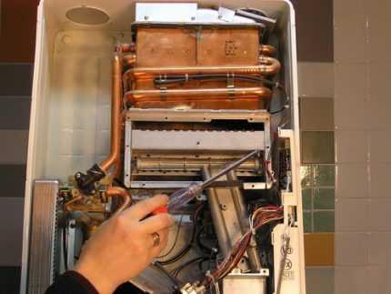 Тухнет газовый котел: что делать и как исправить, частые причины и способы их устранения, советы