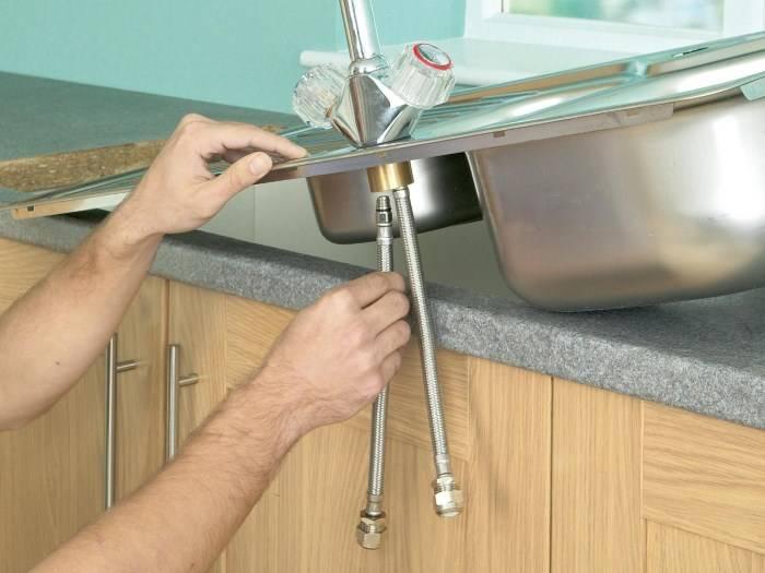 Как закрепить мойку из нержавейки к столешнице как установить накладную раковину к тумбе, как прикрепить на кухне - монтаж и установка