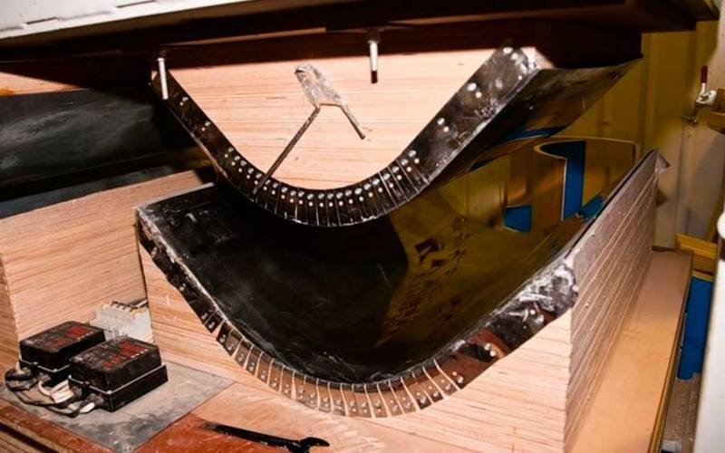 Гнутая фанера: как согнуть в домашних условиях? мебель из гнутоклееной фанеры и другие изделия