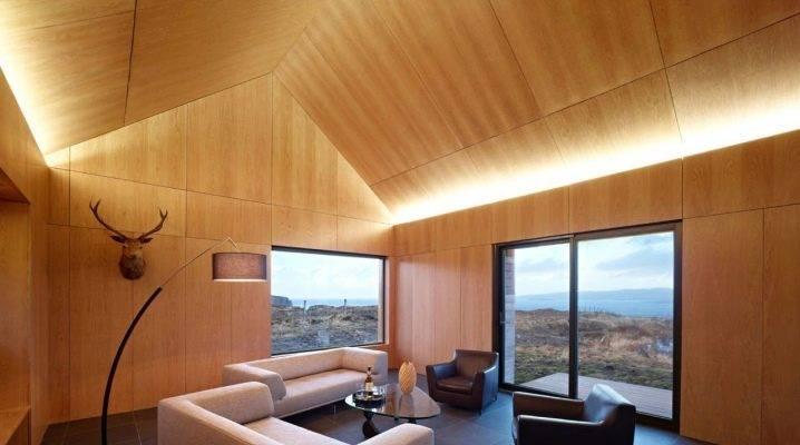 Потолок из фанеры в деревянном доме: фото отделки и пирога, как подшить по балкам