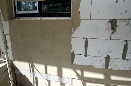 Толщина штукатурки по кирпичу на стене: какой должна быть